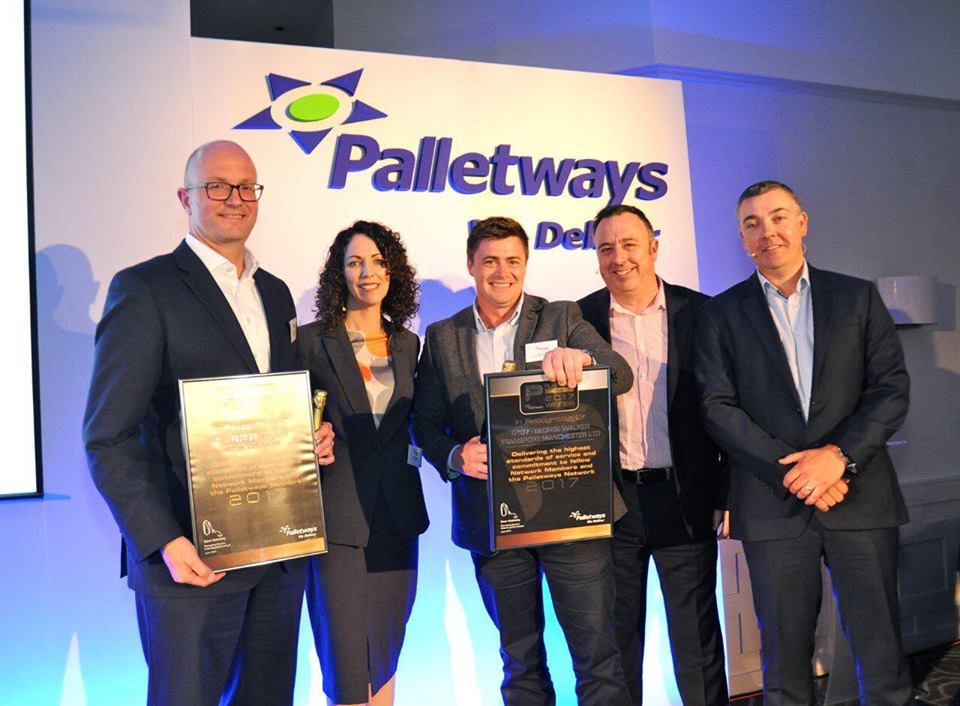 Image of Walkers Transport receiving Platinum Status from Palletways